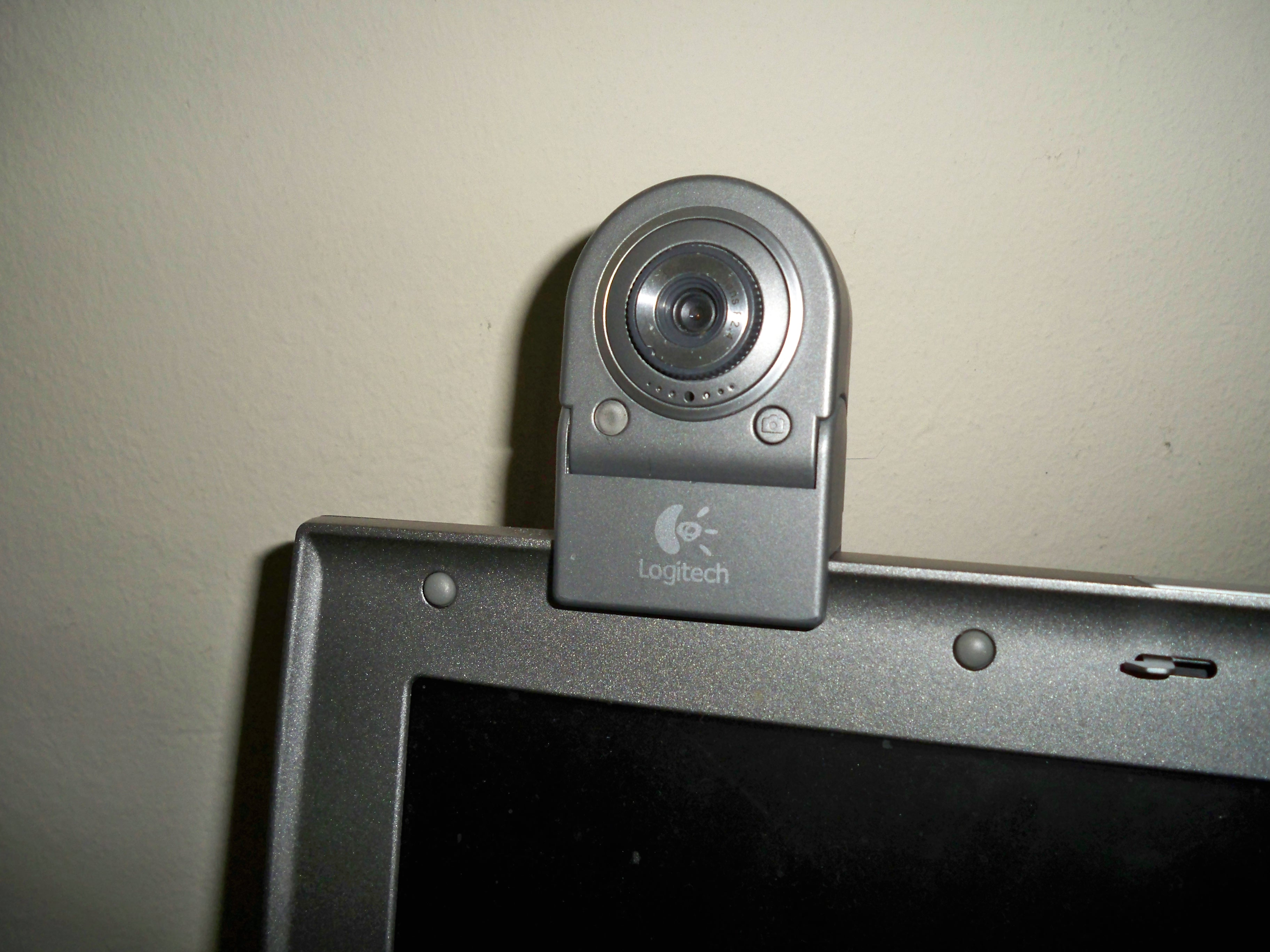 how to make your computer web cam into a spy web cam spy camera. Black Bedroom Furniture Sets. Home Design Ideas